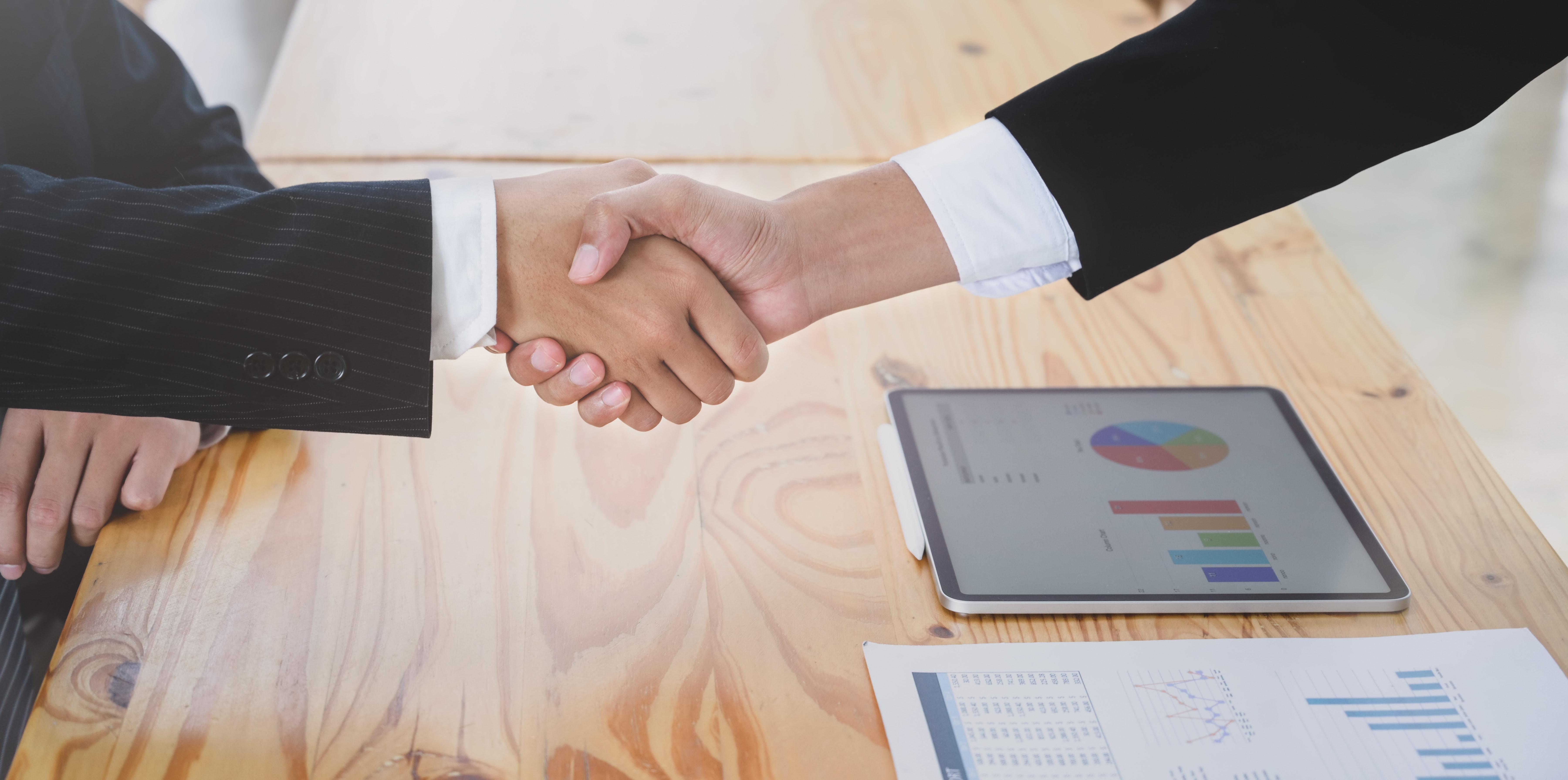 Consult Handshake